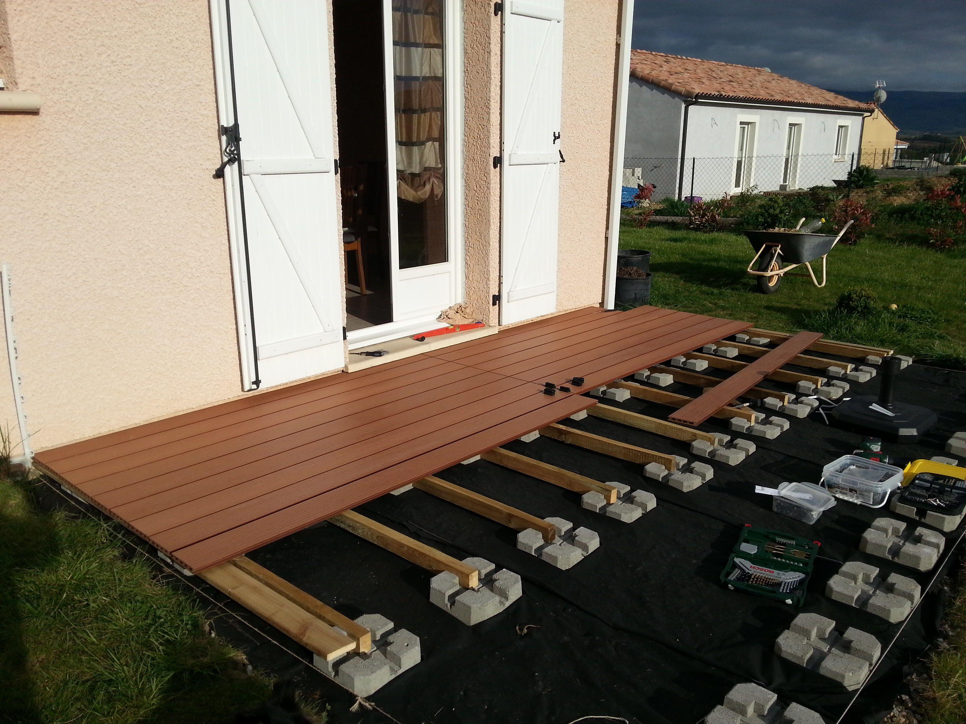 terrasse composite sur plot