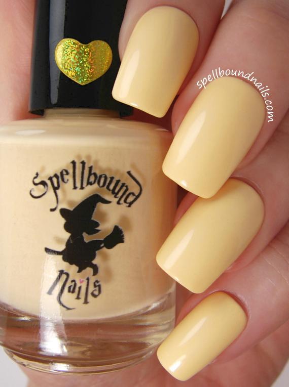 vernis jaune pastel